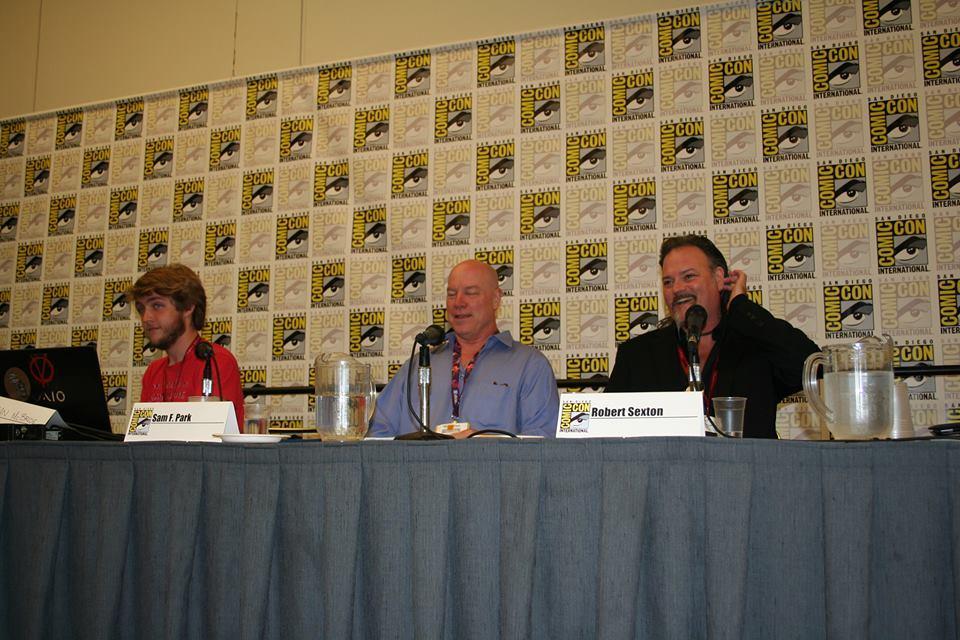 Robert-Sexton-Speaking-at-Comic-Con-